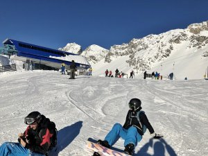 Perfekte_Schneebedingungen_am_Arlberg_Sport_Matt_SKIVERLEIH 07
