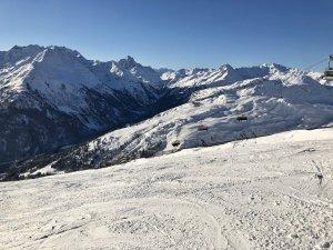 Perfekte_Schneebedingungen_am_Arlberg_Sport_Matt_SKIVERLEIH 08