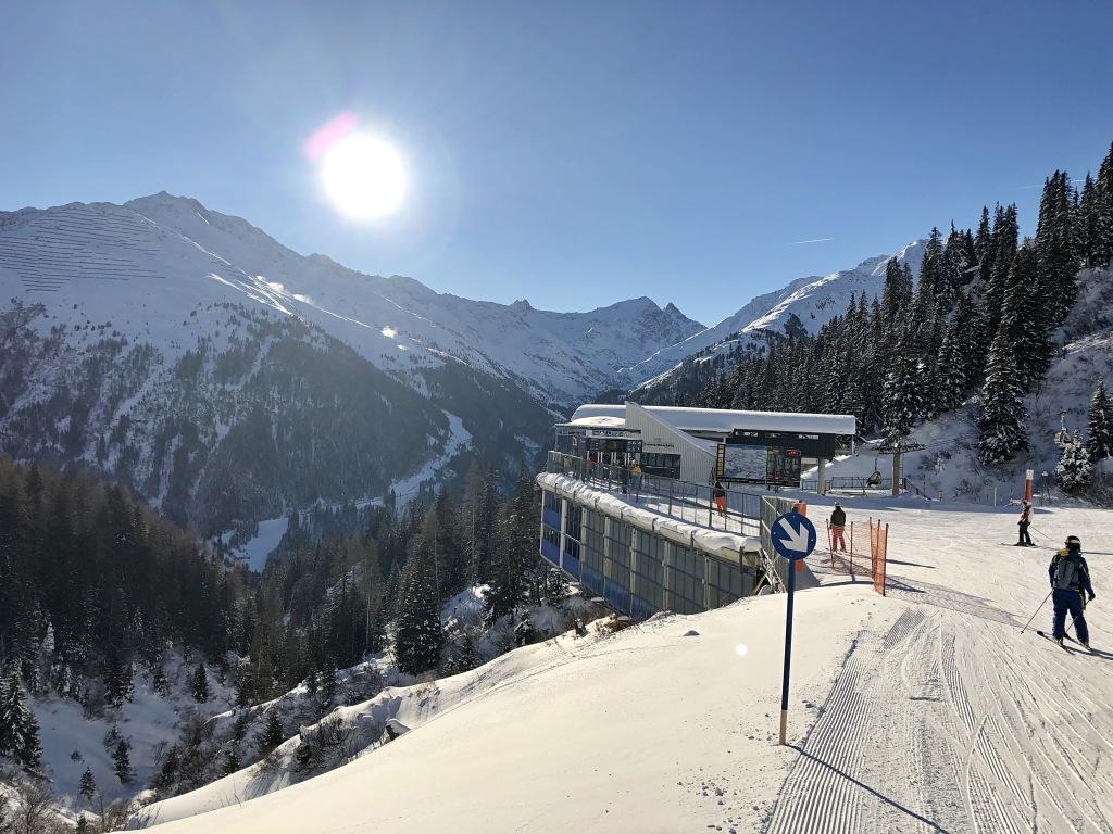 Perfekte_Schneebedingungen_am_Arlberg_Sport_Matt_SKIVERLEIH 09