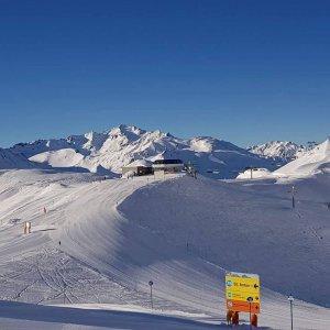 Perfekter_Leih_Ski_Arlberg_Sport_Matt_03