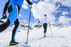Langlaufski_Verleih_am_Arlberg_Sport_Matt_Tipps_zum_Langlaufen_AdobeSt_187780053