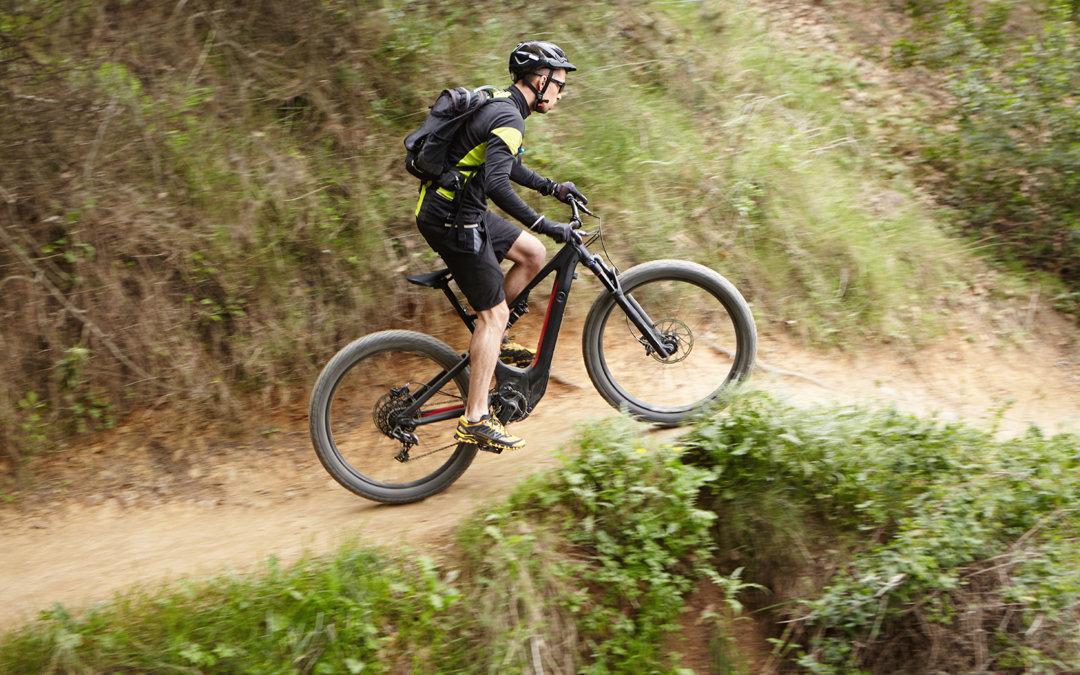 E-MTB-Fahrtechnik-Guide-UPHILL_Sport_Matt_E-Bike_Verleih_Pettneu